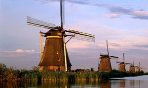 Windmills-Kinderdijk-Netherlands-600x450