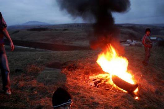 Arderea anvelopelor. Sursă: www.cuvintul,md