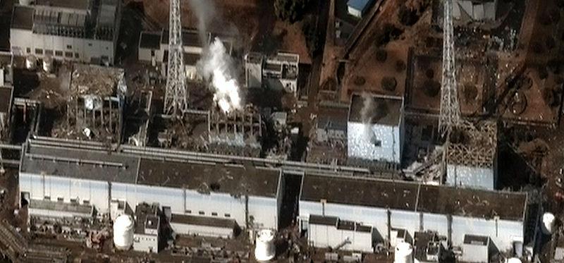800px-Fukushima_I_by_Digital_Globe_B