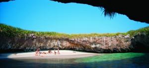 photoEscudo_Islas_Marietas_una_aventura_ecologica_playaescondidaheader